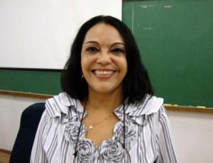 Professora Rosa Fátima de Souza